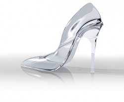 Beautiful-Glass-High-Heels.jpg